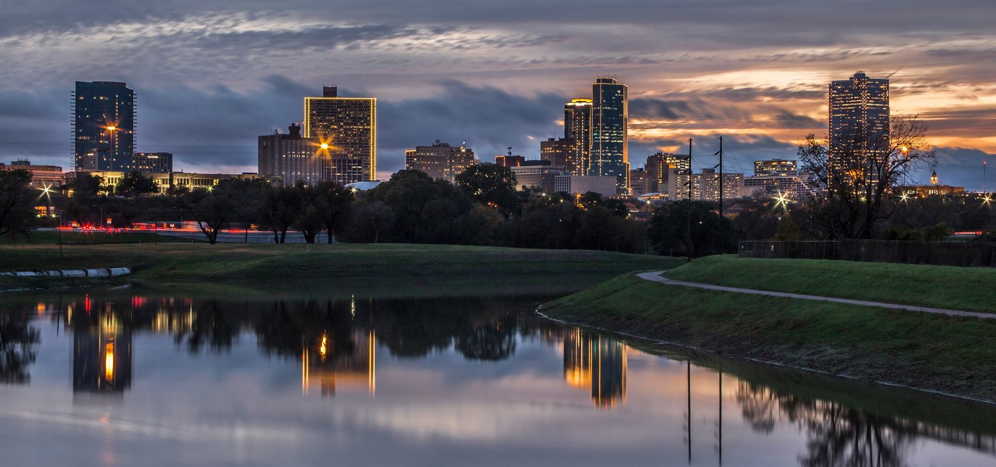 Fort Worth Skyline at dusk with lake in front